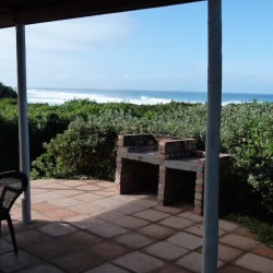 Braai area Bretton Beach Crest